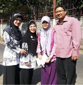 Bersama Mom Zahroh dan Bu Lizza, 21 Agustus 2013